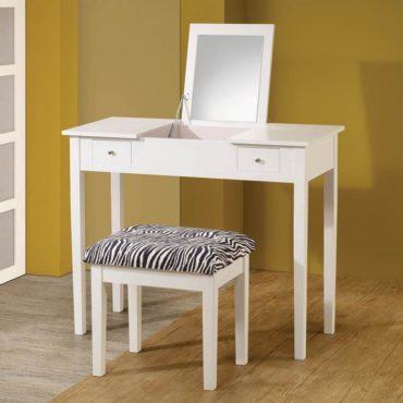 Casual White Vanity Set